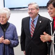 President Mason, Governor Branstad, and Lt Governor Reynolds visiting a TILE classroom